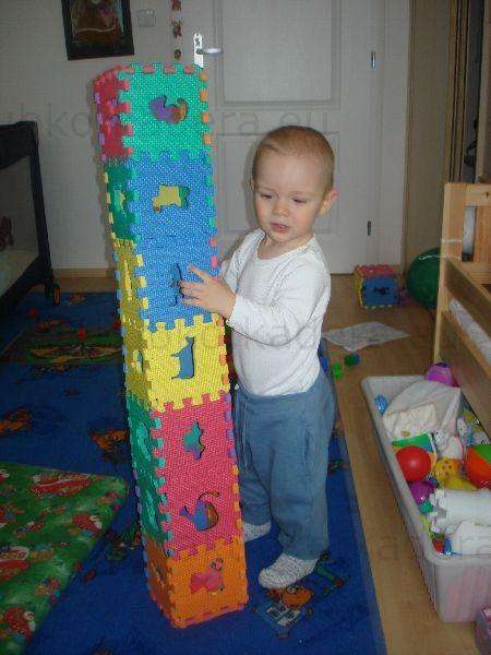 Veža z kociek