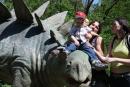 Na dinosaurovi - Miško, ja, no moc ma nevidno, lebo som chcel ist už dole, mama a strýko Peťo