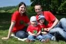 V rodinných tričkách - ručne namaľované tričká s menami našej malej rodinky